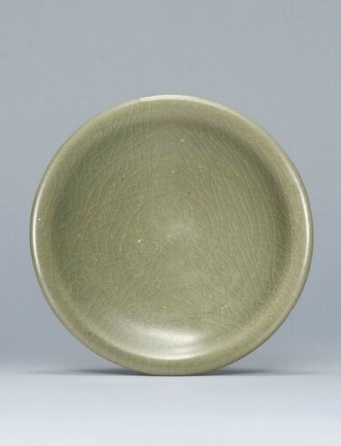 A green Jun dish, Jin-Yuan Dynasty (1115-1368)