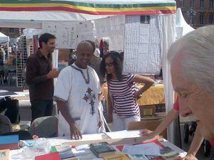 amharique_stand
