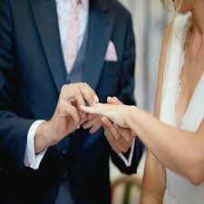 RITUEL ET FORMULE PUISSANT POUR QU'IL VOUS DEMANDE EN MARIAGE