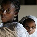 Visages d'Addis Abeba : Femme et son enfant