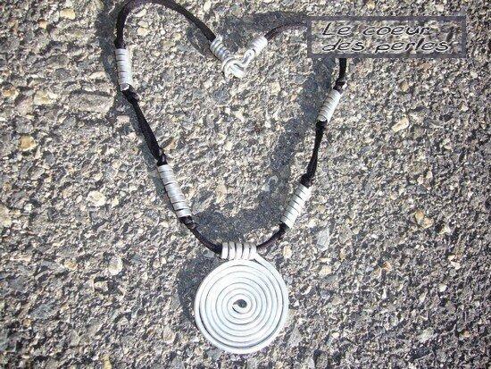 Collier spirales alu
