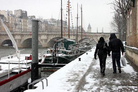 5_Quai_de_seine__bateaux__amoureux__Neige_7679
