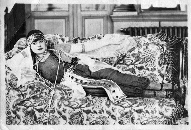 Marie Gallais en bayadère (réduite)