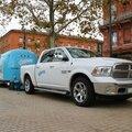 Dodge Ram Hemi et caravane Airstream pour la campagne de pub Kleenex