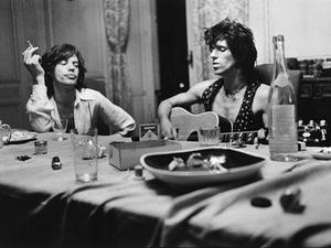 mick-and-keith-exile-table-660-80