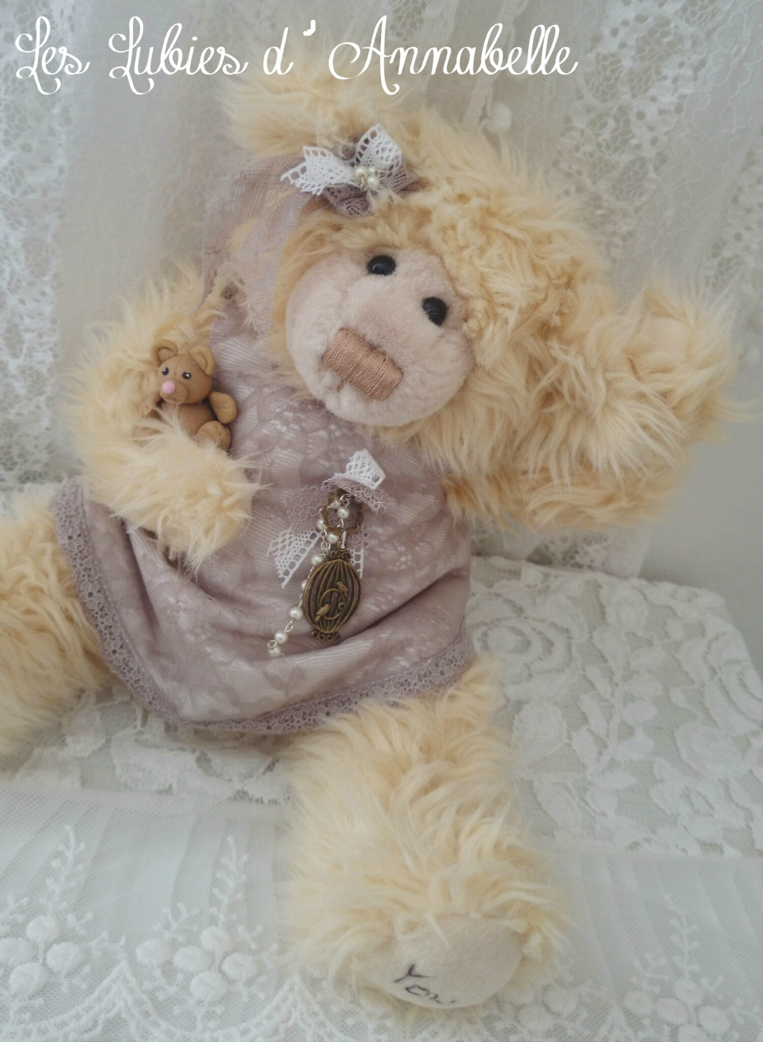 Oursonne Shabby Chic et son doudou ours