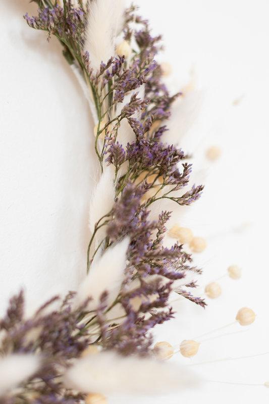 couronne-de-fleurs-séchées-parme-blanc-TRENDY-LITTLE