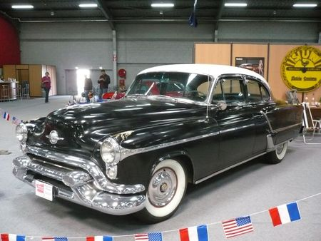OLDSMOBILE Ninety Eight 4door Sedan 1953 Besançon (1)