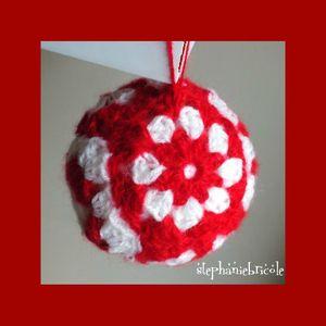 faire une boule au crochet, diy crochet noël, boule de noël laine, boule de noël 2 granny