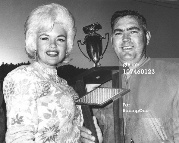 jayne-1963-03-10-orange_speedway-with_junior_johnson-1