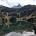 Lac de la Glère, lac et Campanal de Larrens
