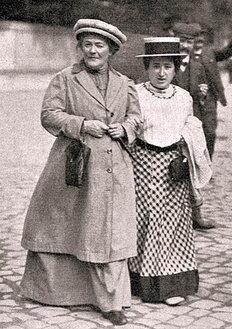 1910-zetkin-luxembourg