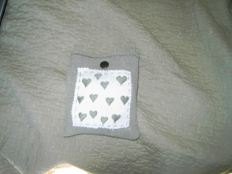 coeur en tissus,pochette (Huguette)