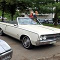 Oldsmobile F-85 cutlass convertible de 1964 (Retrorencard aout 2010) 01)