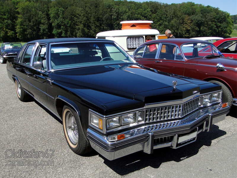 Cadillac Fleetwood Brougham 4door sedan-1978-01