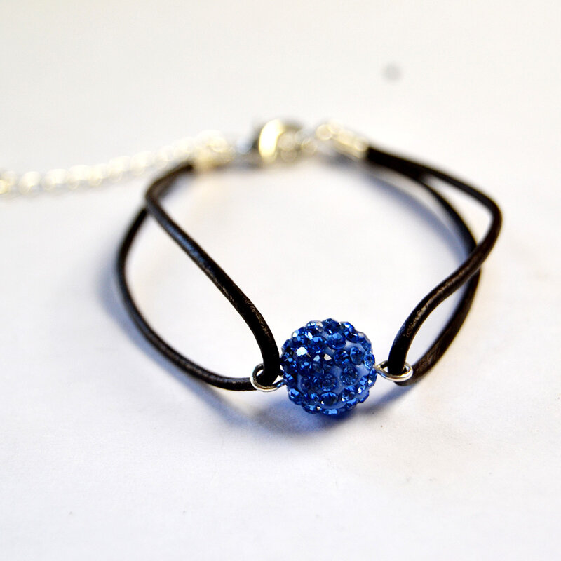 PandaHall-Ideas-on-Making-a-Simple-Beaded-Bracelet-with-Leather-Cord-3
