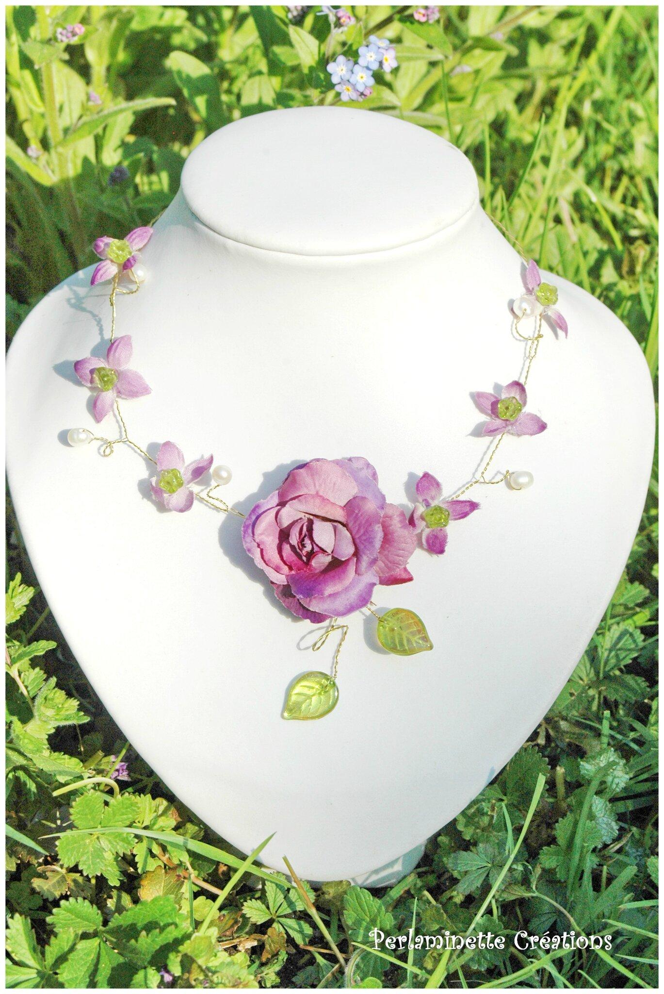 Collier fleurs nature parme et vert pour les mariées ou leur cortège