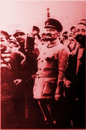 1917_Trotsky_visite_le_front