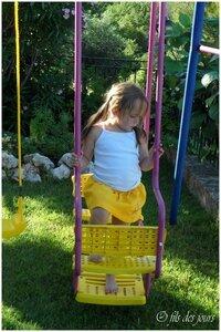 D 13 juin - jupe jaune brodée