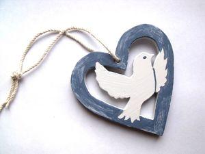 a coeur colombe bleu gris