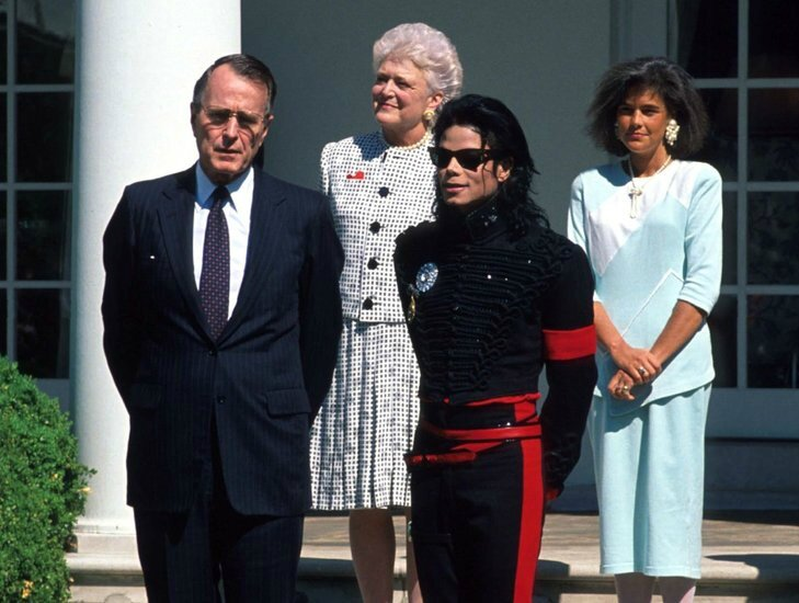 53-3402-michael-jackson-visiting-the-white-house-1373310992