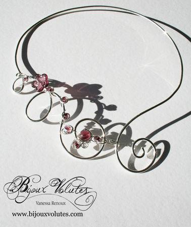 collier_mariage_dune_perles_mauves-aluminium