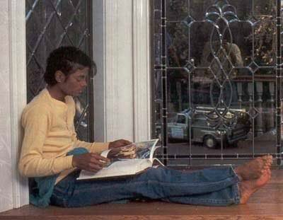 MJ 1978 Havenhurst reading