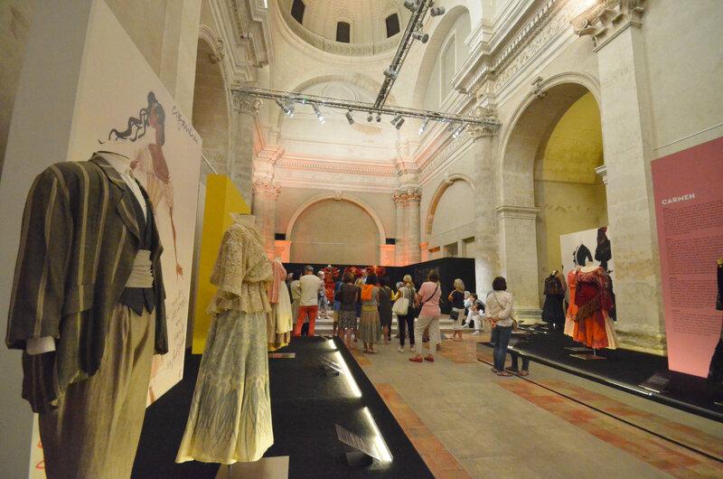 chapelle du couvent expo Christian Lacroix