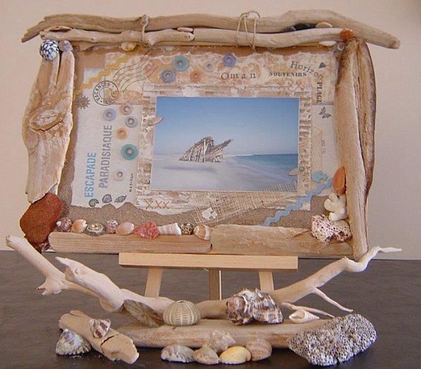 Cadre-en-bois-flott-s--sable-et-coquillages-1