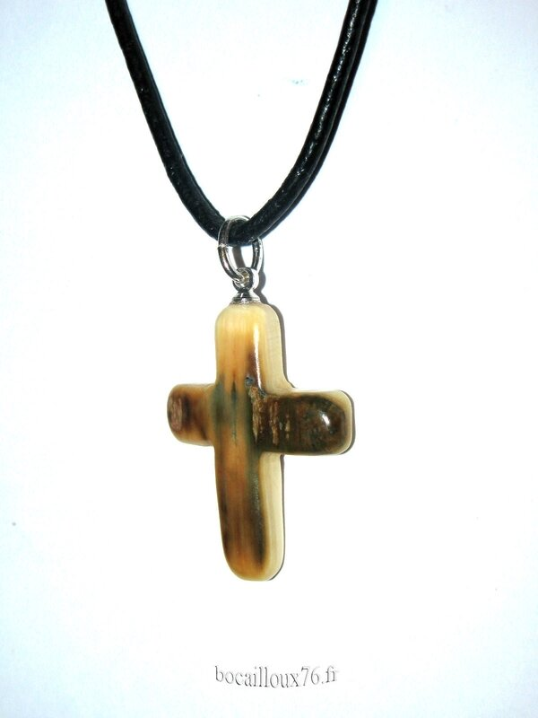 Croix IVOIRE de Mammouth 1 (5)