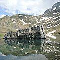 Gourette, R, Les trois Lacs, lac d'Anglas, rocher