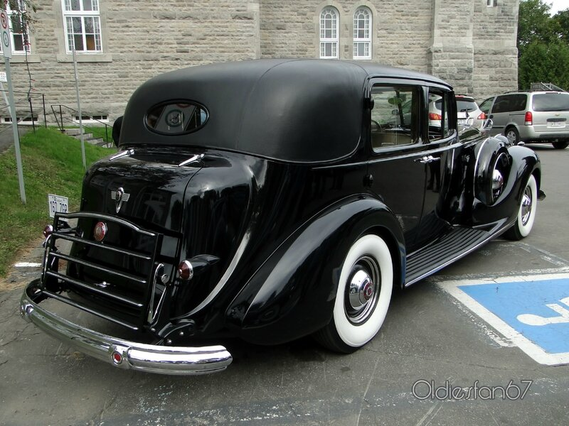 packard-v12-formal-sedan-1939-b