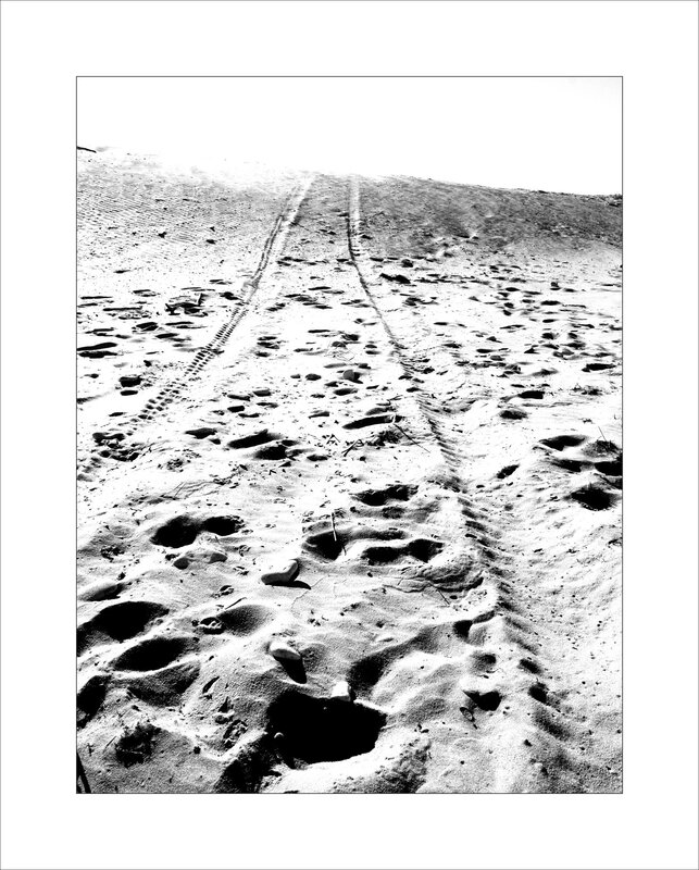 plage sable traces nb 020715