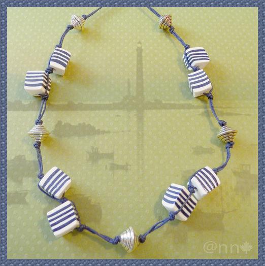 Collier marin à rayures marine et blanc sur coton ciré (N)