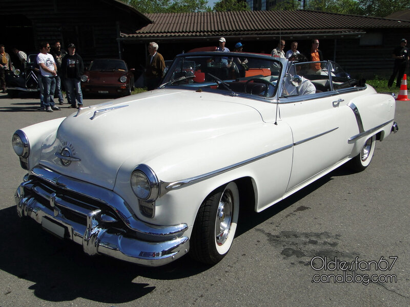 oldsmobile-super-88-convertible-1952-01