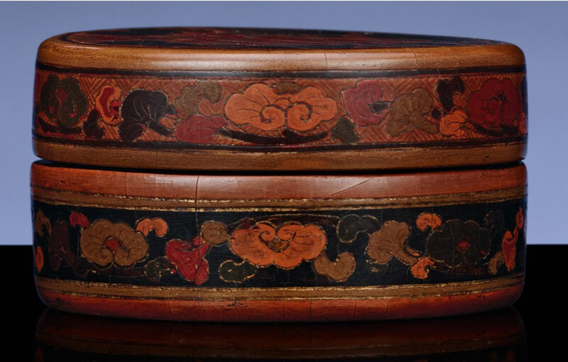 2010_HGK_02811_2025_000(an_extremely_rare_tianqi_lacquer_circular_box_and_cover) (3)
