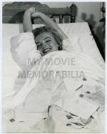 1952-hospital-MONROE__MARILYN_-_1952_MAY_6_HOSPITAL_BED_AFTER_APENDECTAM