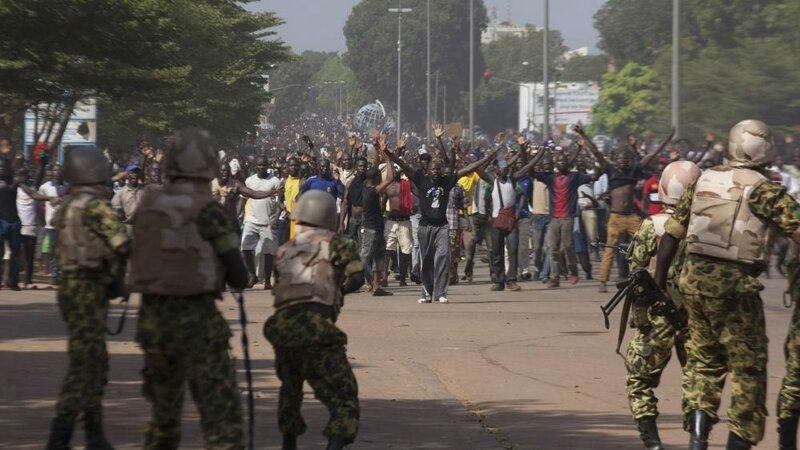 Manifestants au Burkina. *Ph : francetvinfo.fr