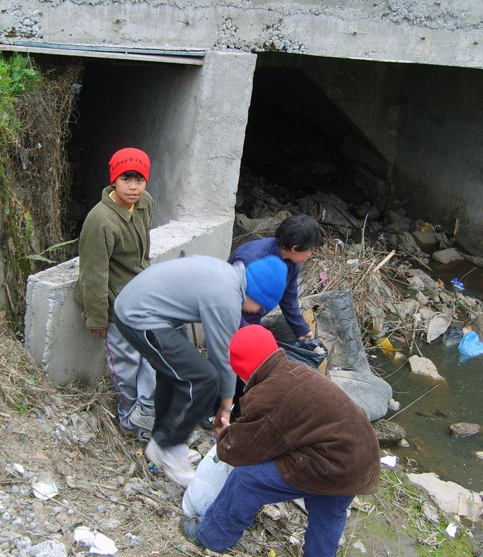 Los niños se sienten responsables de la limpieza de su ciudad