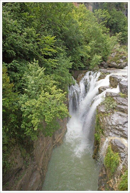 Haut Aragon 120615 Anisclo GA 15 cascade aval