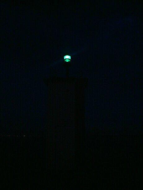 Phare de Taron la nuit.