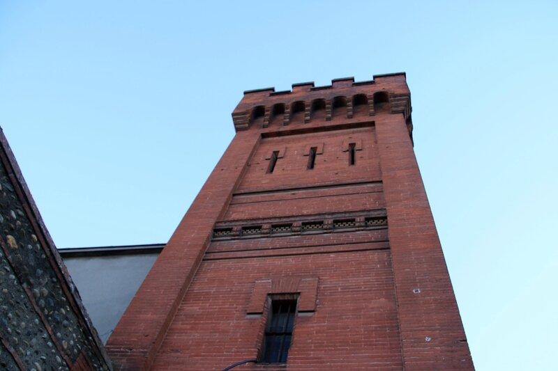 Une des tours du castelet de la prison