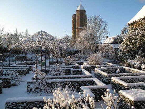 sissinghurst-castle-farmhouse