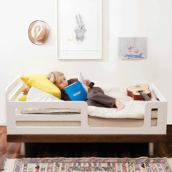 classic_toddler_roomsetting_walnut_highres