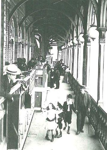 Premier étage Tour Eiffel 1889