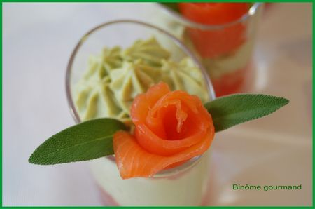 verrines_mousse_avocat_tomate_saumon4