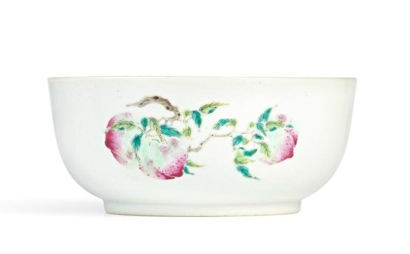 A famille-rose 'sanduo' bowl, Seal mark and period of Daoguang (1821-1850)