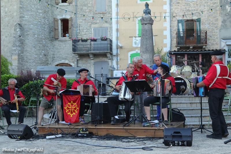 Photos JMP©Koufra 12 - Le Caylar - Los Musicaires del Castèl - 14072019 - 0366